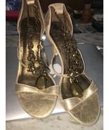 NIB GORGEOUS MISS TINA Gold Color Design High Heel Shoes Dress Size 6.5 M - $27.44