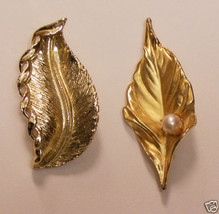 LOT 2 VINTAGE FAUX PEARL GOLDTONE LEAF BROOCHES 1 GERRYS 199 - $10.30