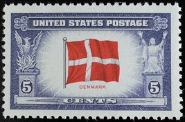 1943 5c Denmark Flag, Scandinavian Cross Scott 920 Mint F/VF NH - $0.99