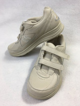 New Balance DSL-2 Womens 8 Tan Beige Walking Shoes Comfort WW577VB - $29.99