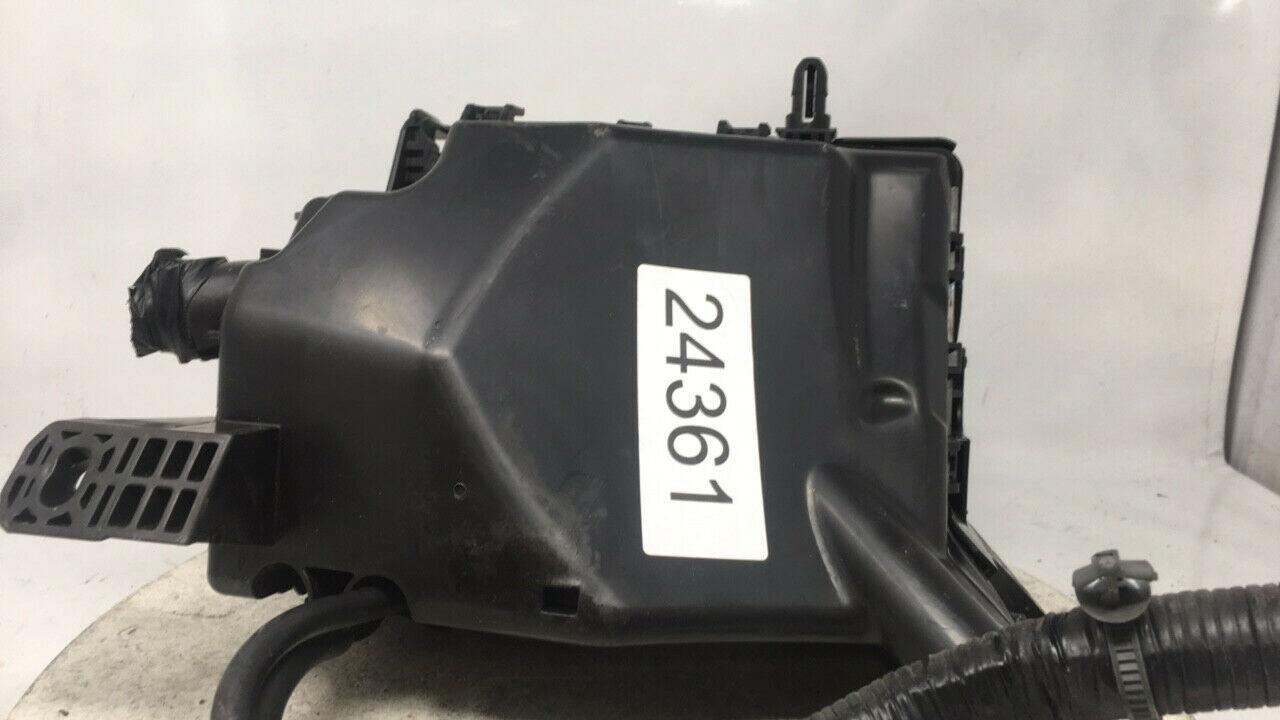 2017-2017 Hyundai Elantra Fusebox Fuse Box Relay Module Vs91200f3261aa W318f   Controls