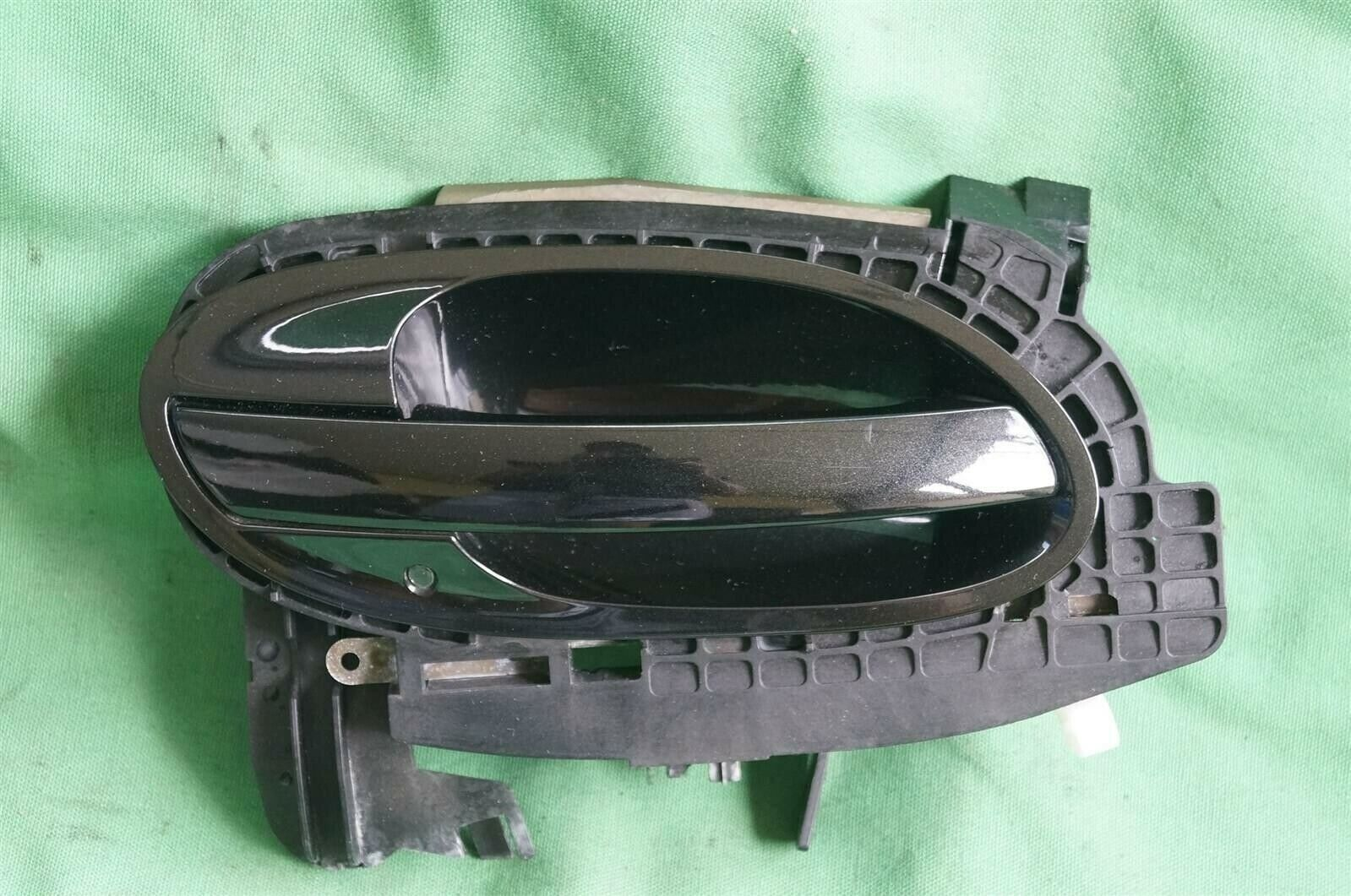 02-04 BMW E65 Exterior Door Handle Front Passenger Right - RH[BLACKSAPHIR]