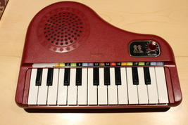 RARE Vintage Electronic Symphonic Organ Deluxe Model 80's - $200.00