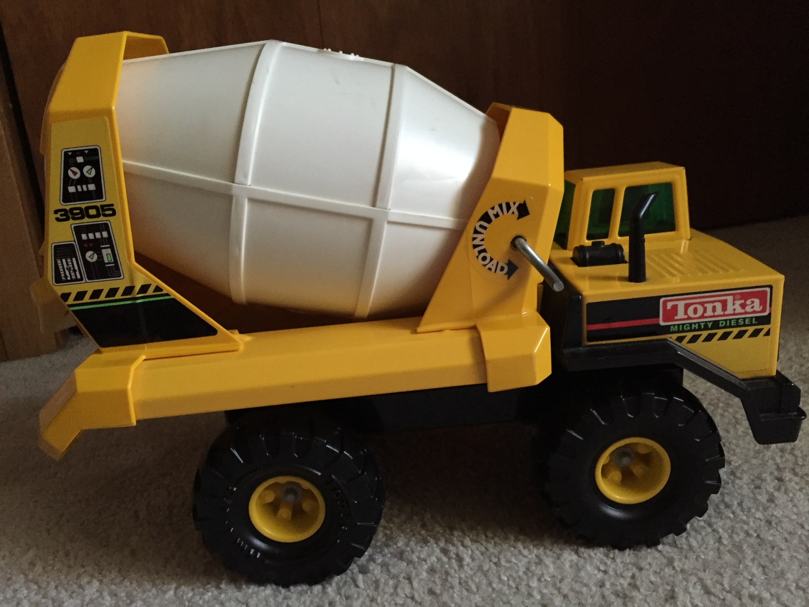 *VINTAGE* TONKA MIGHTY DIESEL CEMENT MIXER -UNIQUE GREEN WINDOW *USA* XMB 975