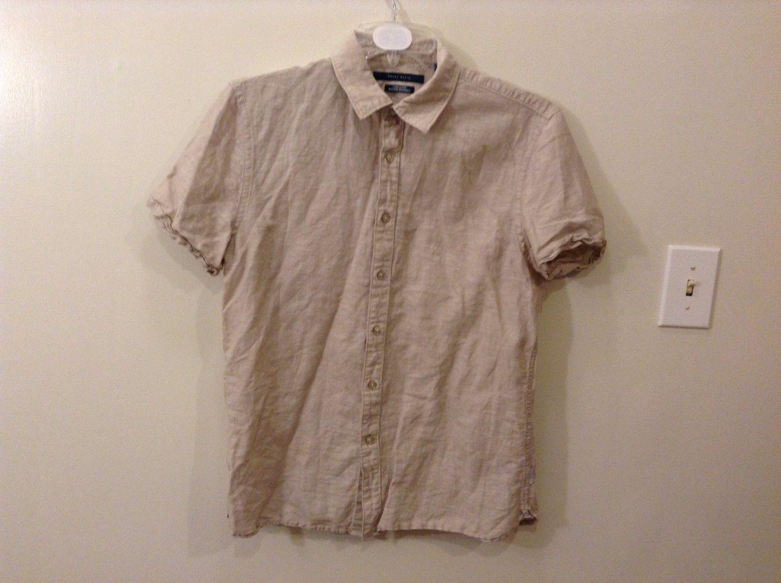 Great Condition Perry Ellis M Linen Blend Taupe Short Sleeved Button Up Blouse