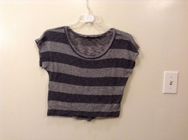 Great Condition Gorgeous Thin Light Sweater Material Horizontal Stripe Scoopneck