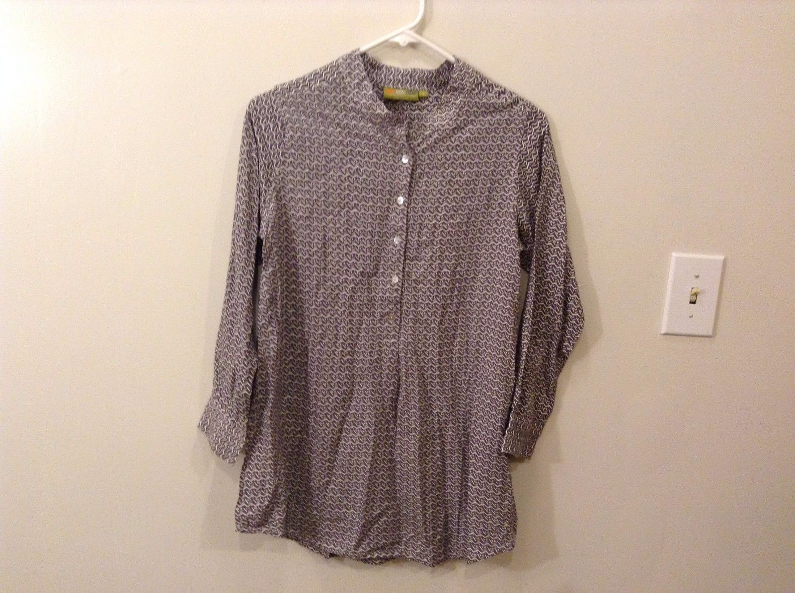Rock Flower Paper S Dark Lavender Great Condition White Pattern Shirt Buttons