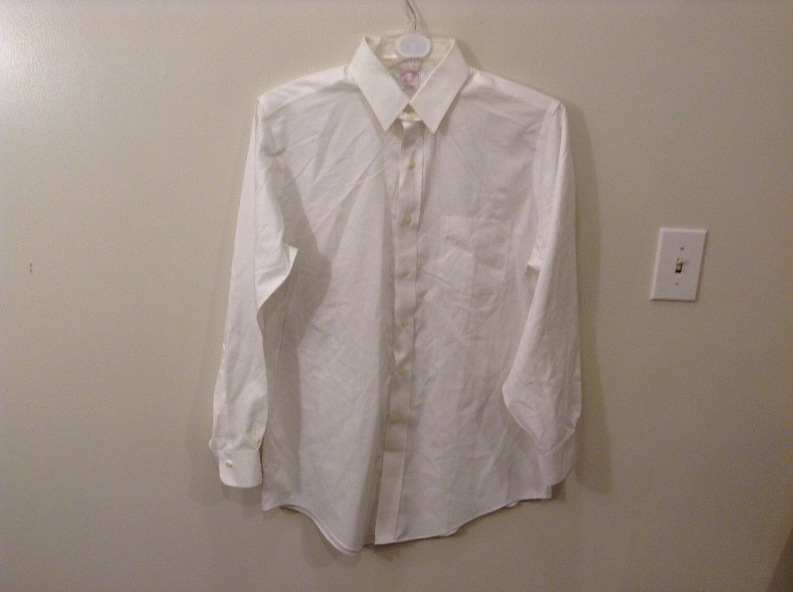 Brooks Brothers 100% Cotton 15 1/2 33 Button Up White Dress Shirt Long Sleeve