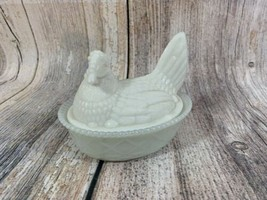 VTG  Westmoreland White Milk Glass Hen With Split Tail & turned head Can... - $11.93