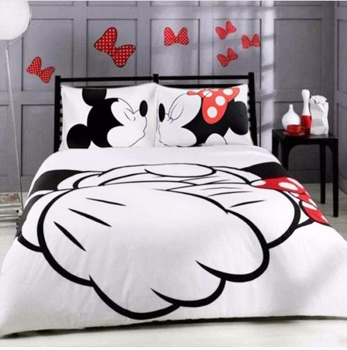 Mickey Minnie Mouse Kiss Hold Hands Twin Full Queen