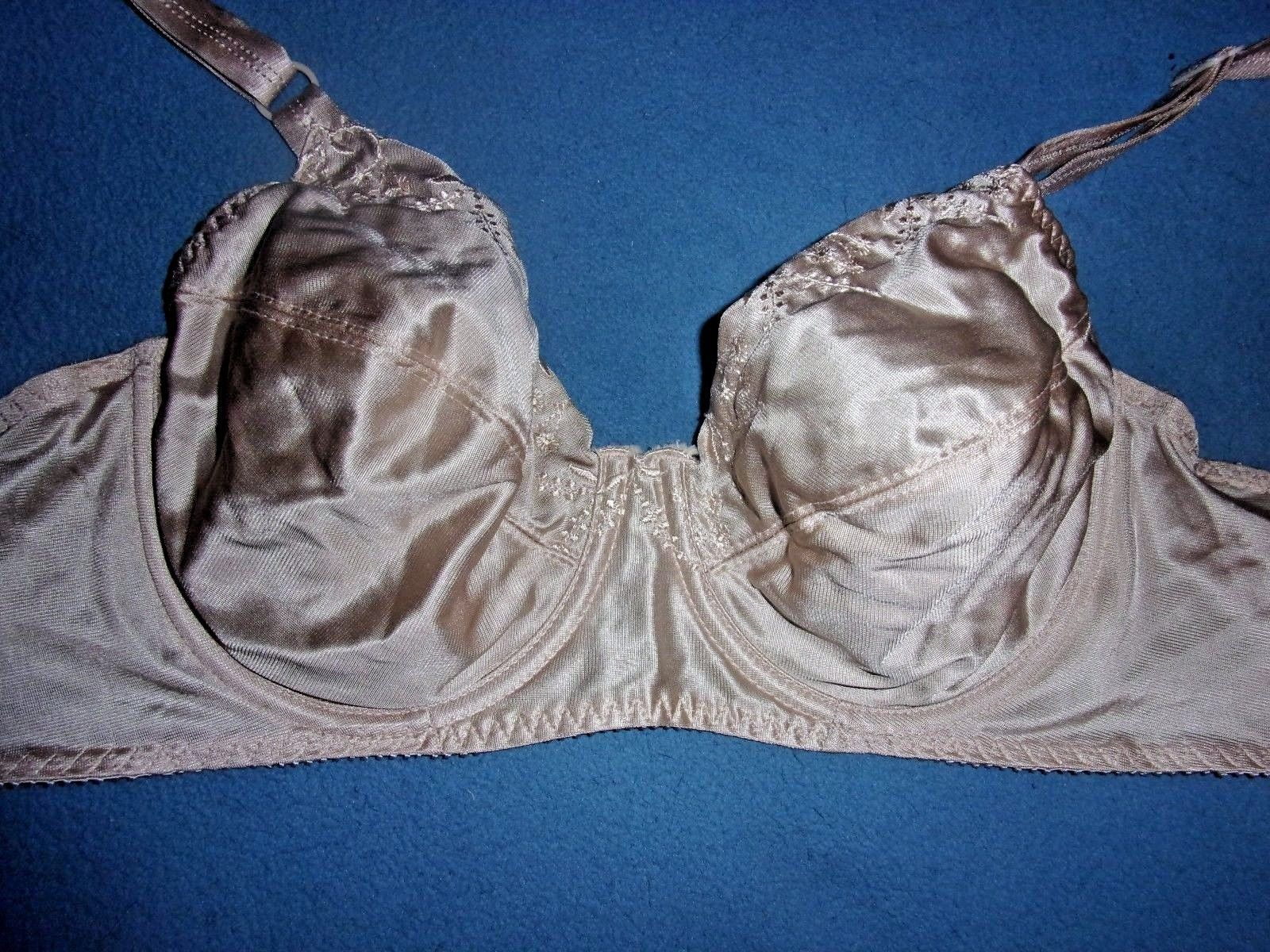 00cac312ee004 34D Vintage Underscene Lined Underwire Full and 50 similar items