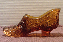 Vintage Amber FENTON Button Daisy PRESSED GLASS Decorative Slipper Shoe - $7.25
