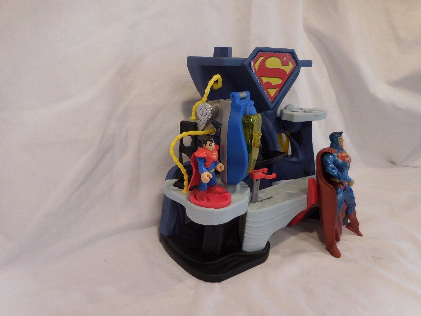 DC Comics  Superfriends Superman Playset with figures