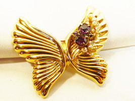 Gold tone metal Purple Crystal glass Pealrl faux cluster  Butterfly Broo... - $23.76