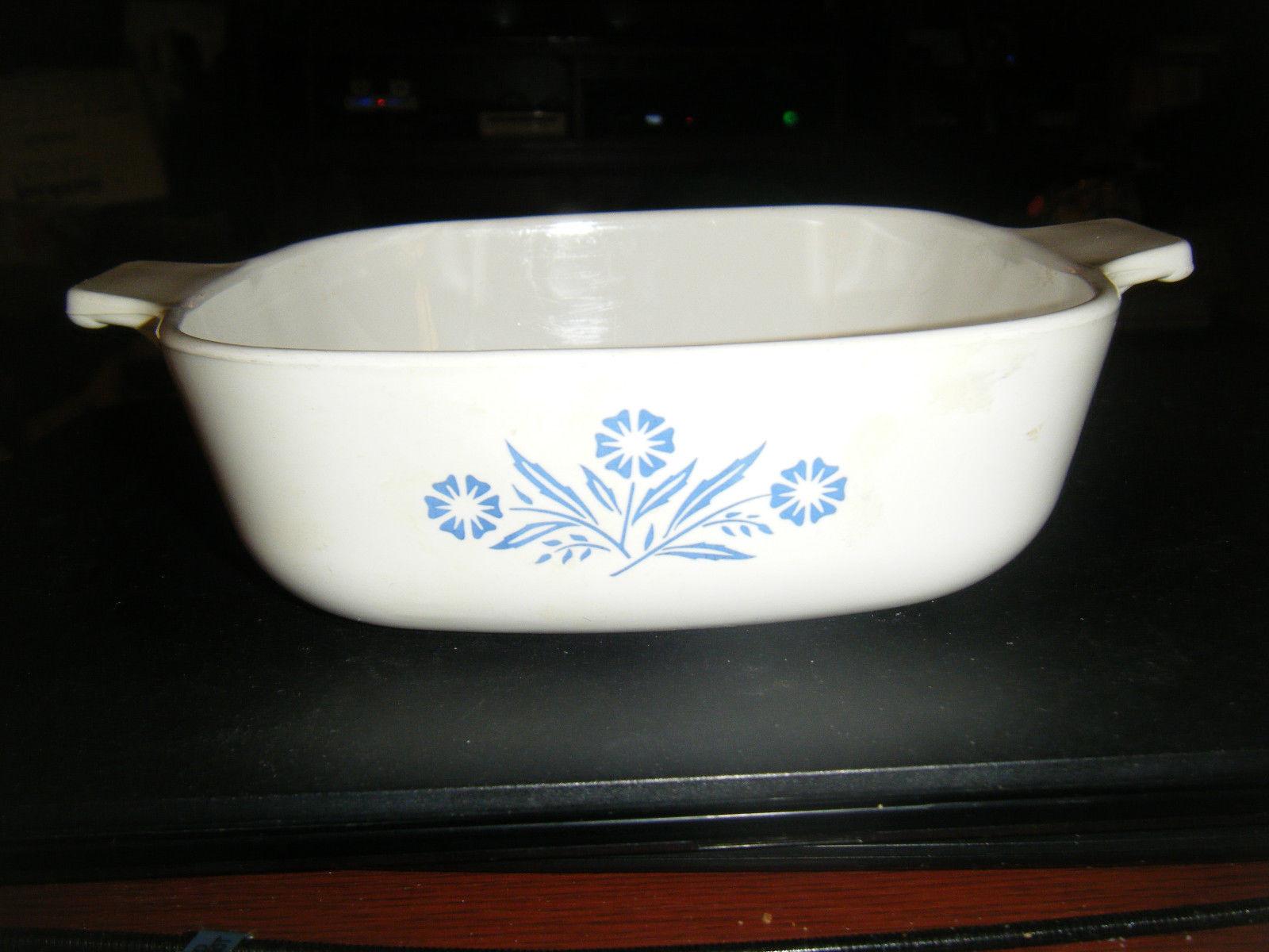 Vintage Corning Ware 1 Qt. Cornflower Design Baking Dish #P-1-B