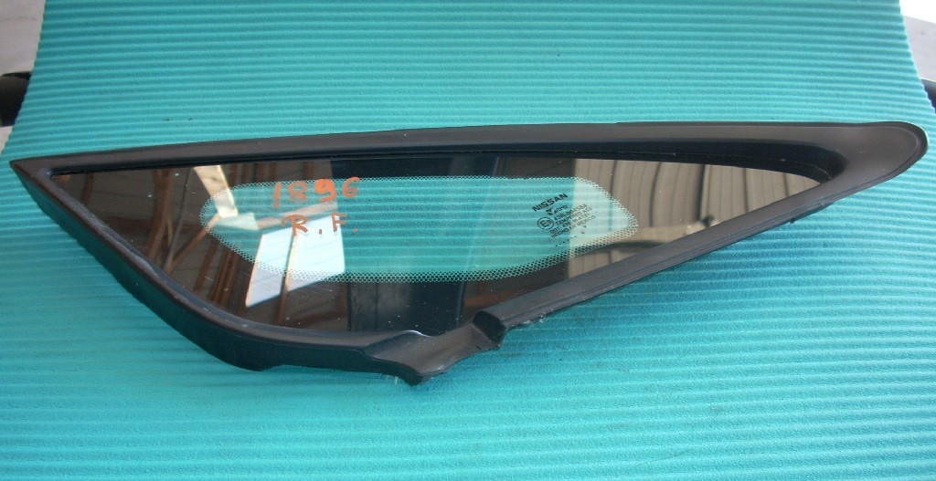 2014 NISSAN VERSA NOTE RIGHT PASSENGER FRONT WINDSHIELD PILLAR GLASS OEM