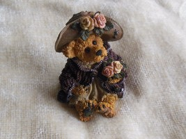 Boyd's Bears Mrs. Tuttle...Stop & Smell the Roses-Bearstone #228315 - $30.69