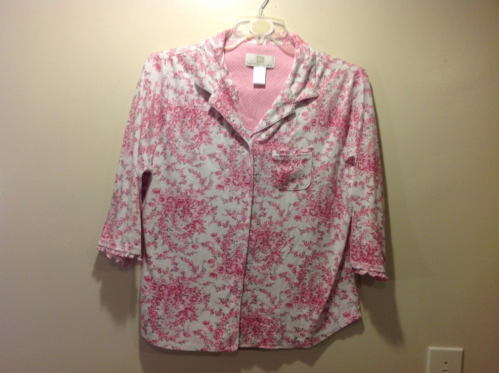 Great Used Condition Karen Neuburger XL Soft White Pajama Button Up Pink Floral