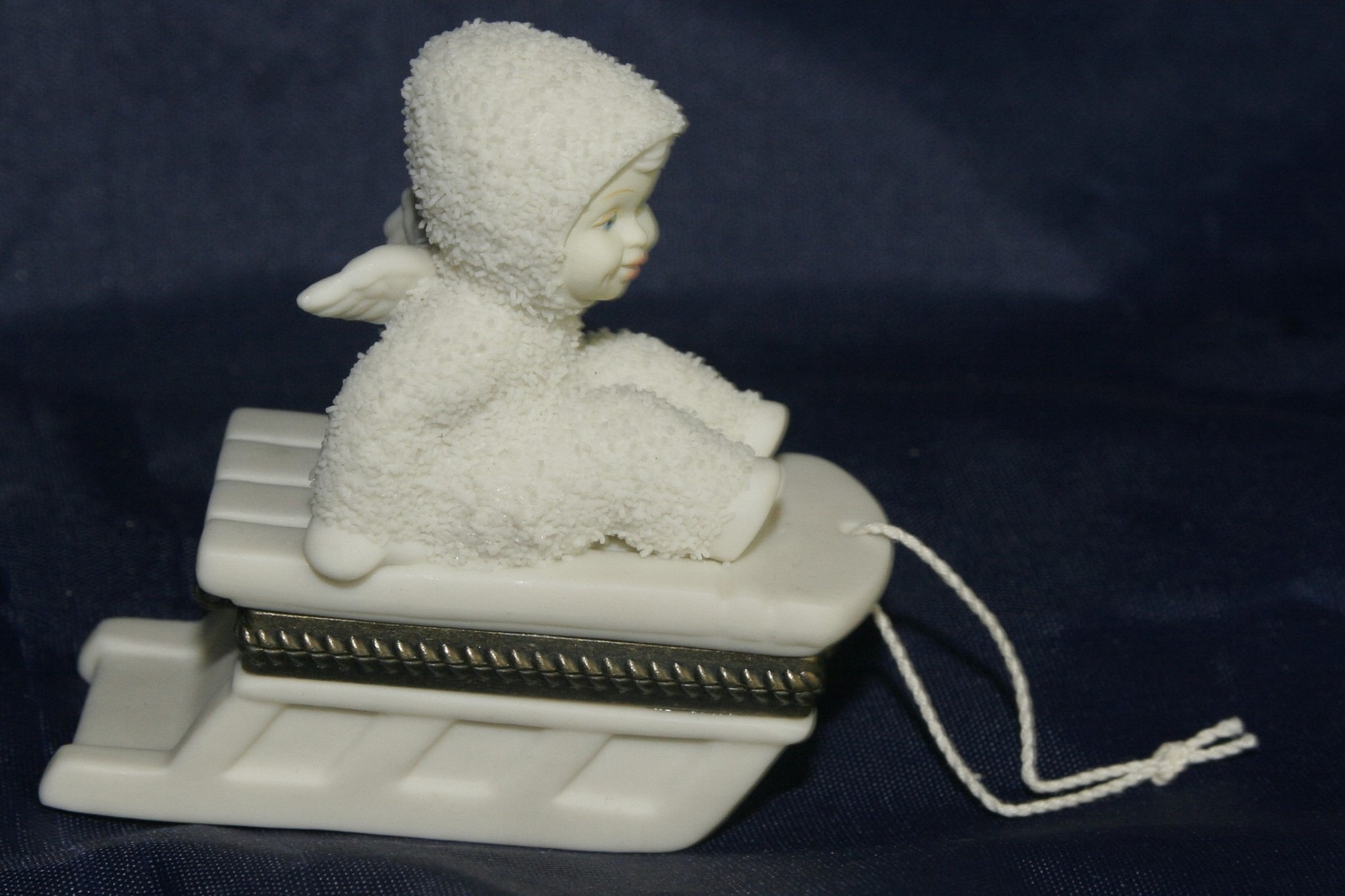 "Primary image for Dept 56 Snowbabies ""Hold on Tight"" Hinged Trinket Box"