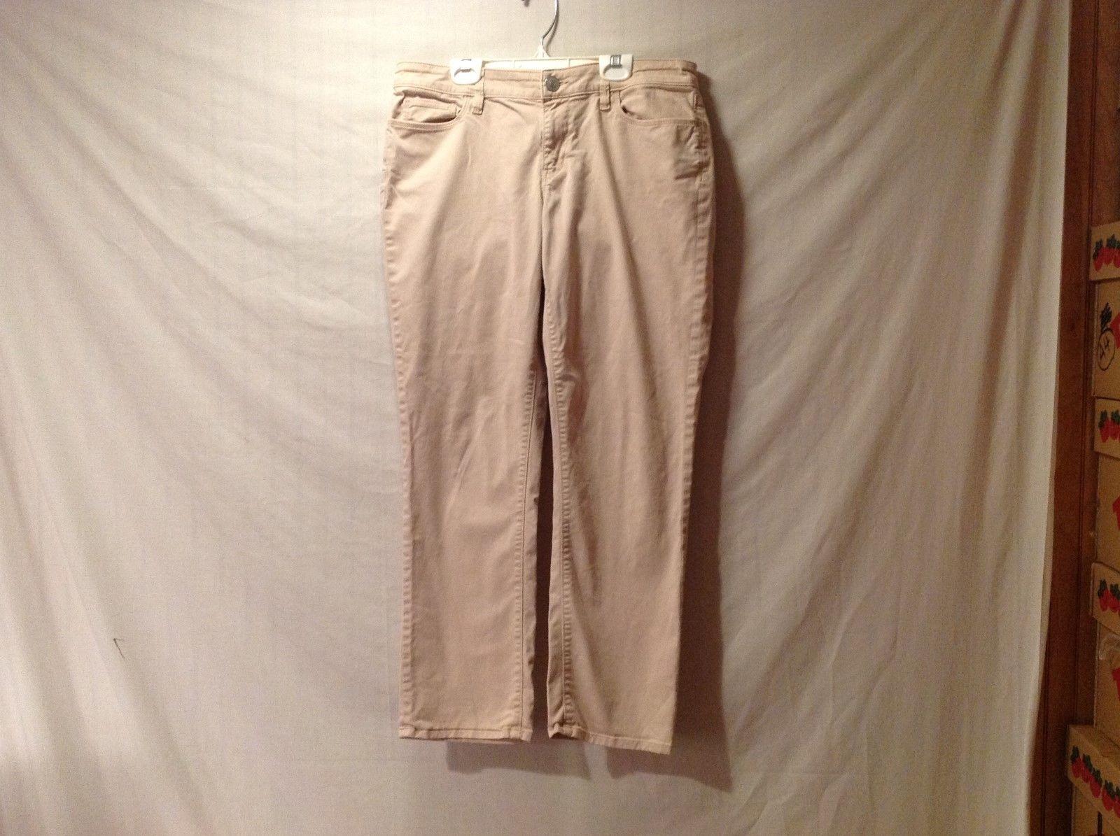 Womens ANN TAYLOR LOFT Size 8 Curvy Straight Cut Peach Colored Jeans