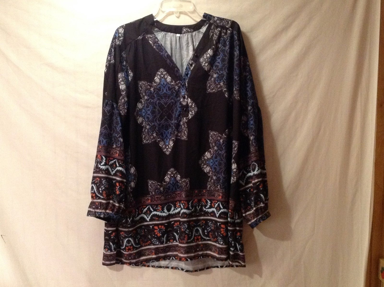 Women's Long Flowy Black Blue Floral Shirt Size M