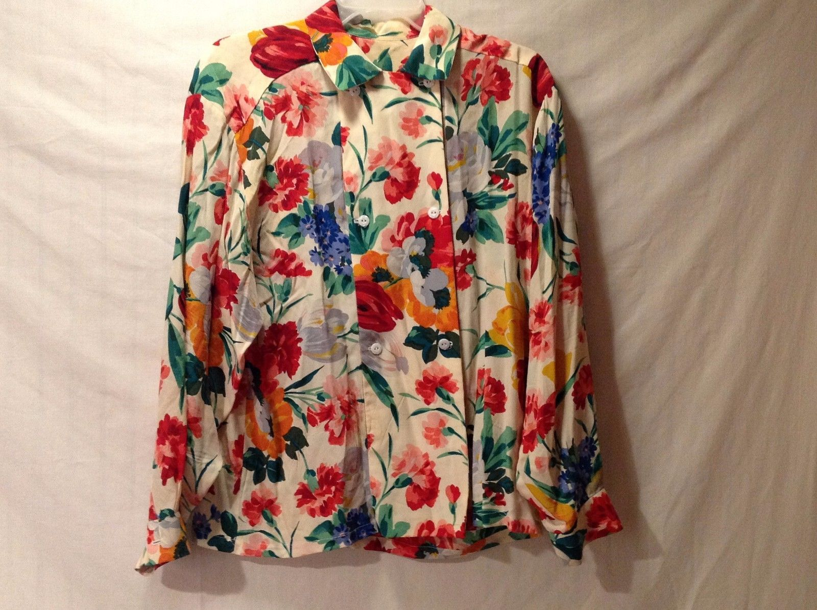 Beautiful Used Excellent Condition Silk Like Floral Blouse Very Vibrant Colors