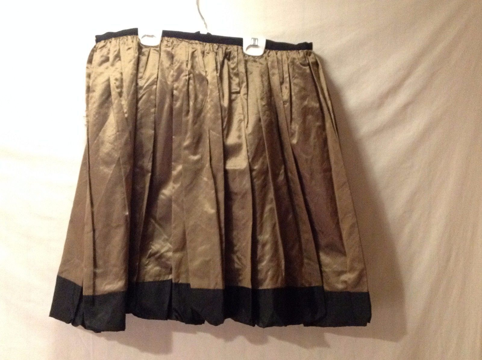 Excellent Condition Annie Walwyn-Jones Gold Black Full Skirt Above Knee Size M
