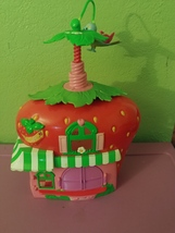 2008 Hasbro Strawberry Shortcake Berry Cafe Twirling Bird Doll House  - $15.00