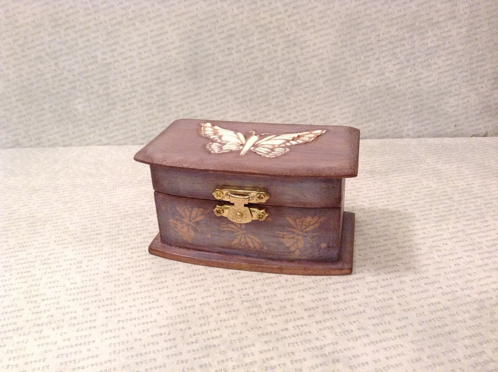 Small Wooden Grey/Blue Trinket Treasure Box w/ White Butterfly's - $34.64