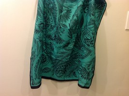 Gina Ruccini 100% Polyester Emerald Green Black Paisley Nature Themed Scarf image 3