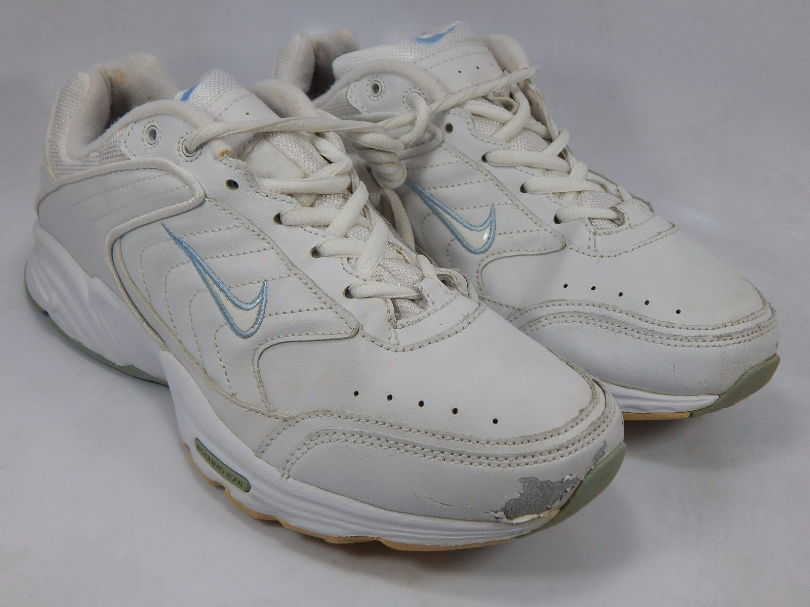 Nike 2004 Women's Walking Shoes Size US 9 M (B) EU 40.5 White 308699-112