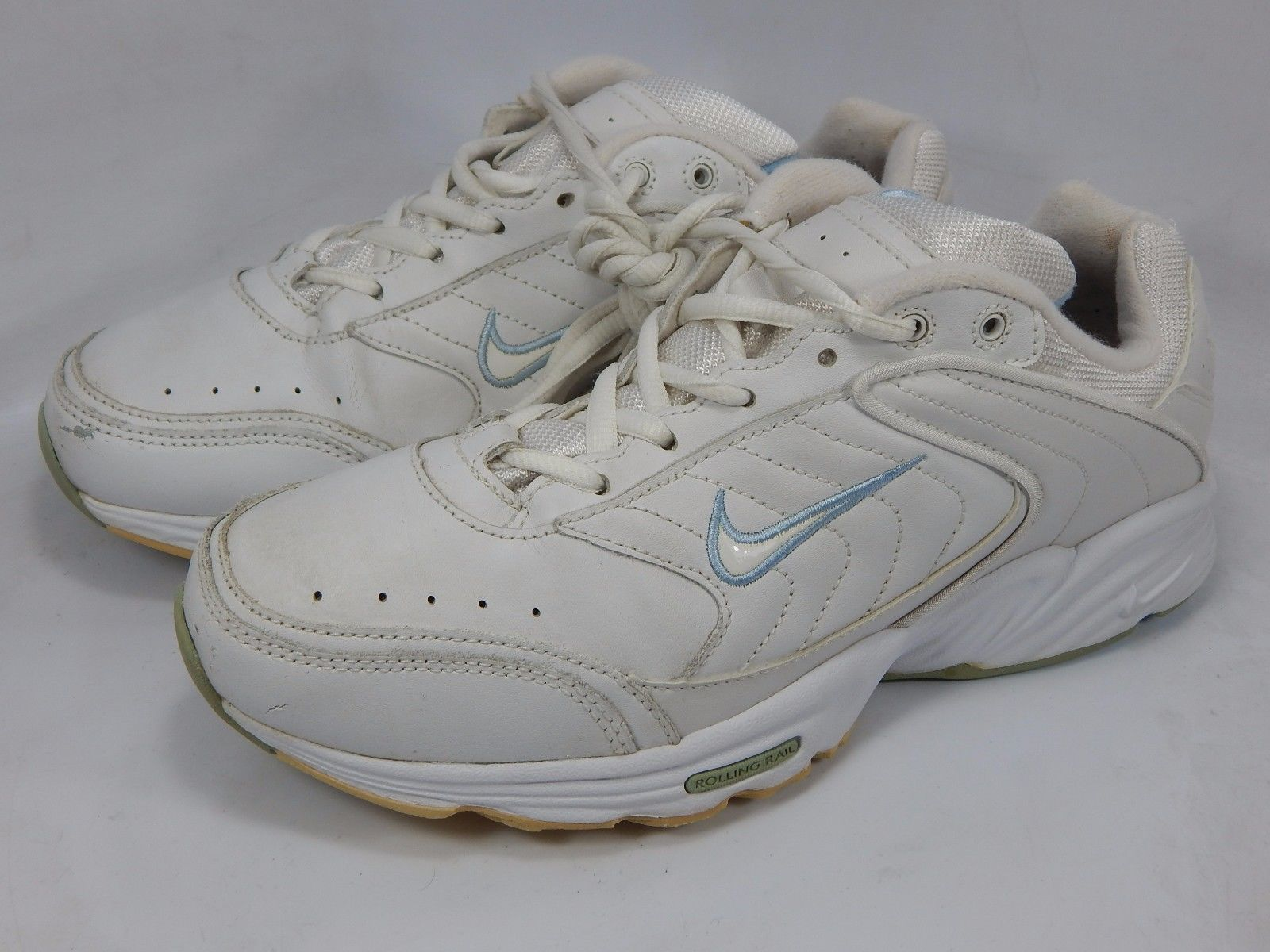 Nike 2004 Women's Walking Shoes Size US 9 M (B) EU 40.5 White 308699-112