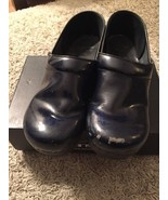 Women's Dansko Professional Patent Navy Shoes, Size Euro 40 (8.5-9 US) - $29.99