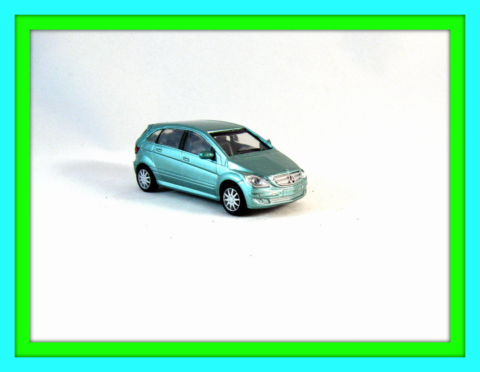 Mercedes benz b class newray 1 43 diecast car model car for Mercedes benz toy car models