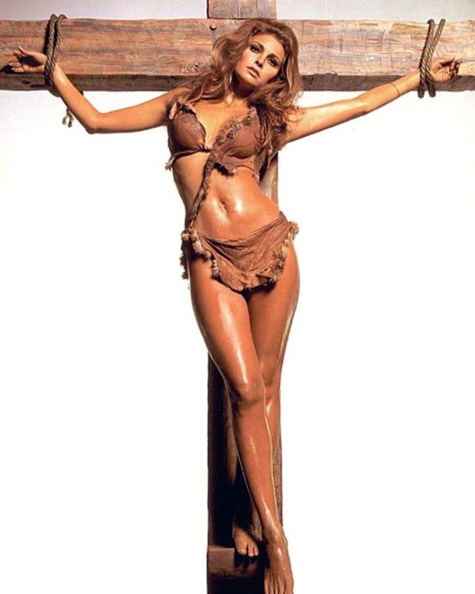 Raquel Welch 16x20 Canvas Giclee Stunning Pose In Fur Bikini Tied To Cross - $69.99