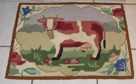 "Mayfair Collection Cow & Floral 100% Wool Hand Hooked Area Rug 1' 8"" x 2' 3"""