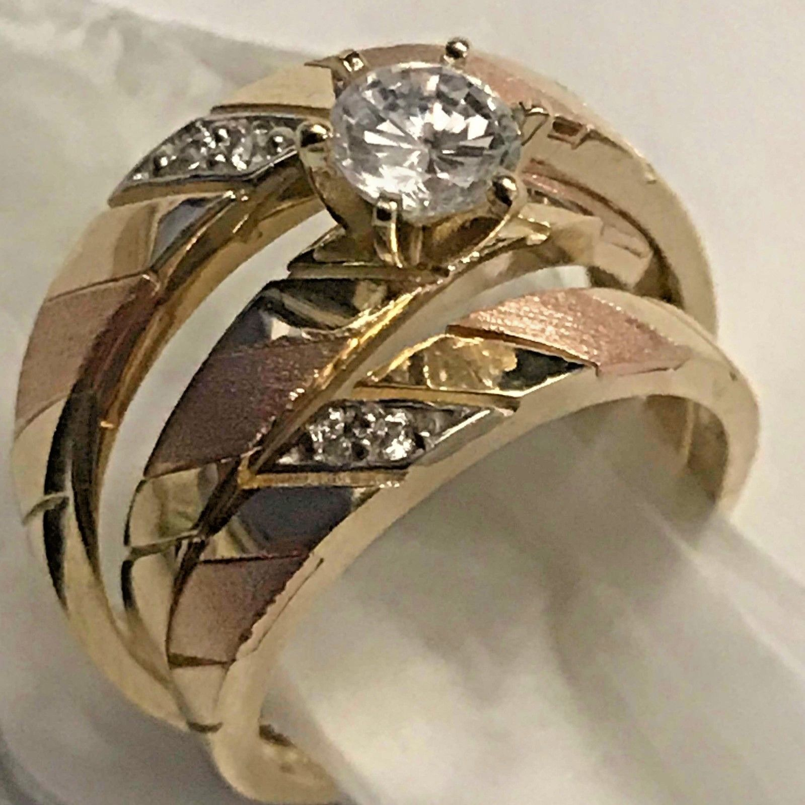 HCJ Stainless Steel 4 Carat CZ Men/'s Detailed Band Wedding Ring SIZE 9 10