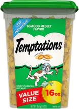 Classic Crunchy And Soft Cat Treats Seafood 16 oz. Tub NEW - $10.68