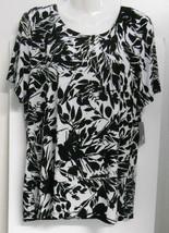New w/Tag~JM Collection (Macys)~Sz M*~Black/White Flowers~S/S~Crewneck T... - $14.95