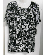 New w/Tag~JM Collection (Macys)~Sz M*~Black/White Flowers~S/S~Crewneck T... - $14.95