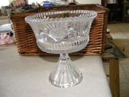 Anna Huette 24% lead hand cut crystal footed bowl - $12.82