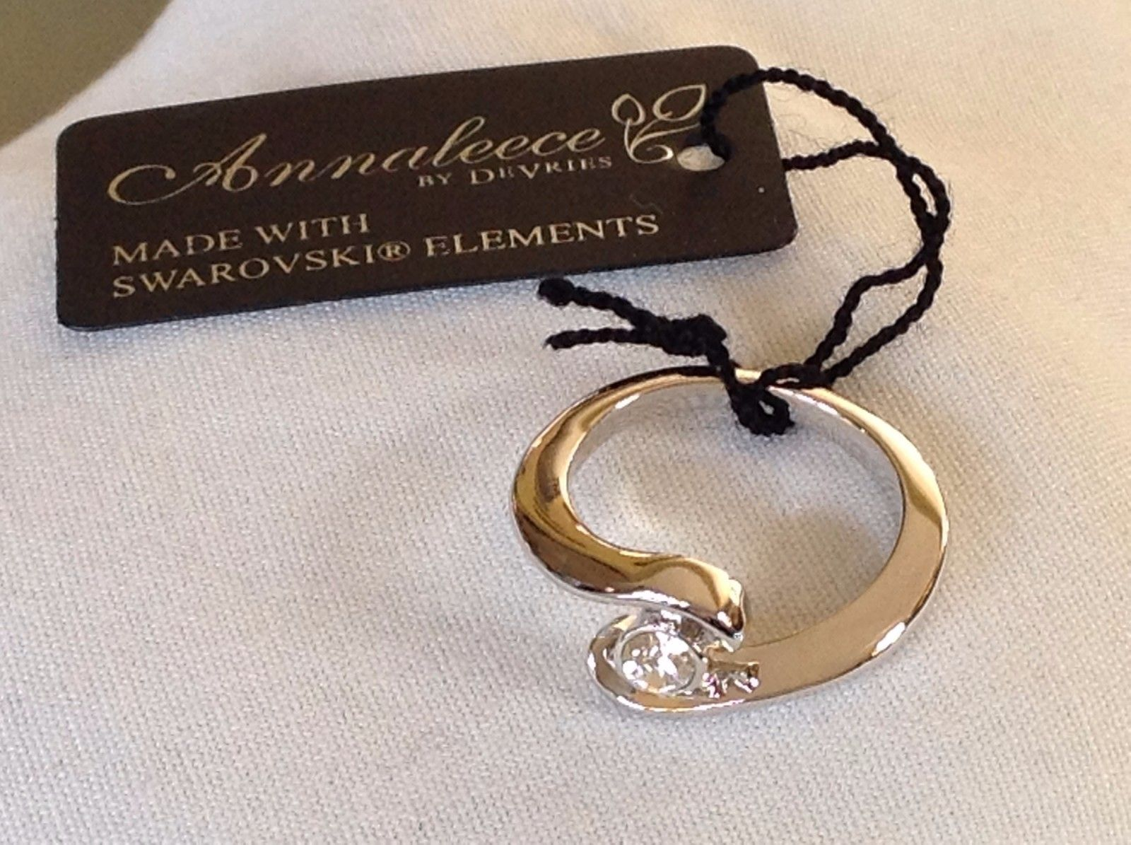 NWT Annaleece Ring Starry Eyed 22 Karat Gold Rhodium with Swarovski Elements 6