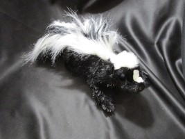 Folktails puppet Skunk 16 inches head to tail. - $19.79