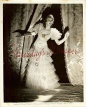 Mary Martin Edith Head Org 1939 Paramount Photo - $9.99