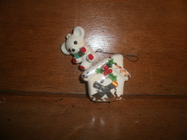 Plastic Felt Mouse On A House  with Foil and Plastic Flowers ,  Christma... - $2.00