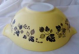 Vintage Pyrex Yellow 4 QT Gooseberry Cinderella Mixing Nexting Bowl  444