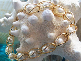Faux Pearl Bracelet, Vintage 1980's, Caged Pearls, Fashion Accessory, Go... - $39.00