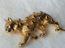 Vintage Leopard Pin Blue Eye Cougar~Gold Color Costume Jewelry~Black Acc... - $39.00