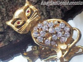 Vintage Cat Brooch Costume Jewelry~Figural Jewelry~Feline Whimsy~Gold To... - $29.00