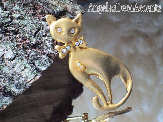 Primary image for Vintage Cat Pin Pet Whimsy Sleek Brooch~Figural Mod Jewelry~Vintage Feline~Costu